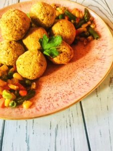 falafels on a plate