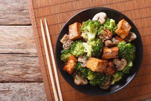 crispy tofu with stir fry vegetables
